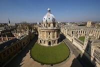 Oxford Anuncia Becas para 100 Estudiantes